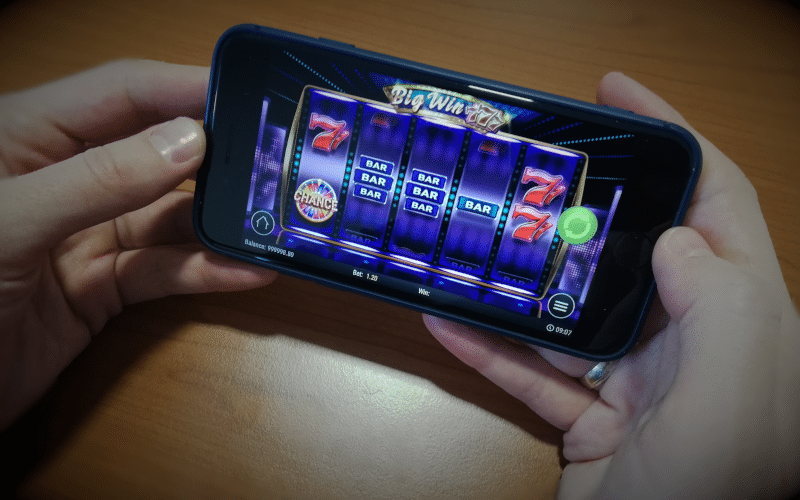 Playing slots on mobile